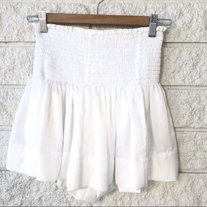 LOOKING TO BUY WHITE KOCH ERICA SKIRT SIZE MEDIUM